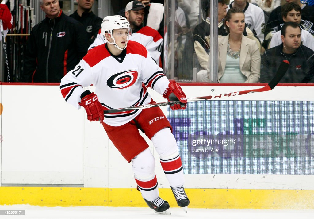 <a gi-track='captionPersonalityLinkClicked' href=/galleries/search?phrase=Drayson+Bowman&family=editorial&specificpeople=4111563 ng-click='$event.stopPropagation()'>Drayson Bowman</a> #21 of the Carolina Hurricanes skates against the Pittsburgh Penguins during the game at Consol Energy Center on April 1, 2014 in Pittsburgh, Pennsylvania.