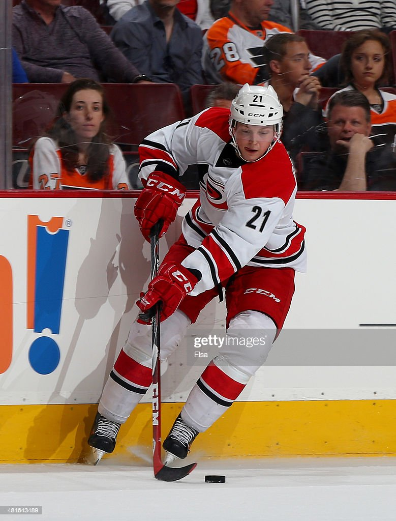 <a gi-track='captionPersonalityLinkClicked' href=/galleries/search?phrase=Drayson+Bowman&family=editorial&specificpeople=4111563 ng-click='$event.stopPropagation()'>Drayson Bowman</a> #21 of the Carolina Hurricanes takes the puck in the second period against the Philadelphia Flyers at Wells Fargo Center on April 13, 2014 in Philadelphia, Pennsylvania.