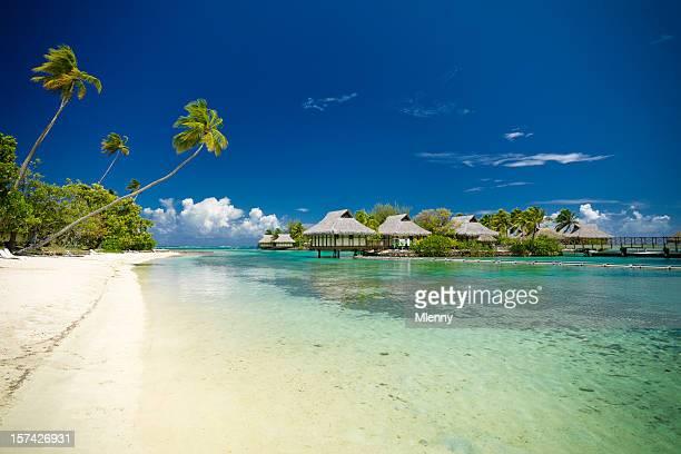 L'hôtel de vacances de plage de rêve dans les Cottages avec vue sur le lagon