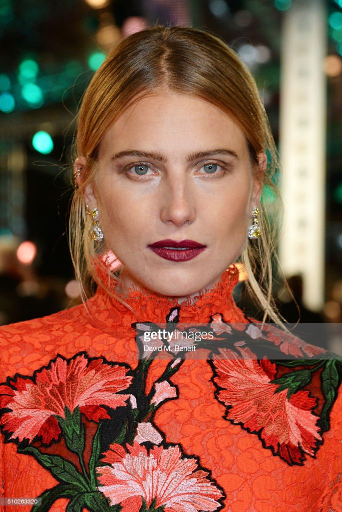 <a gi-track='captionPersonalityLinkClicked' href=/galleries/search?phrase=Dree+Hemingway&family=editorial&specificpeople=5650645 ng-click='$event.stopPropagation()'>Dree Hemingway</a> attends the EE British Academy Film Awards at The Royal Opera House on February 14, 2016 in London, England.