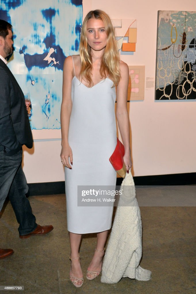 <a gi-track='captionPersonalityLinkClicked' href=/galleries/search?phrase=Dree+Hemingway&family=editorial&specificpeople=5650645 ng-click='$event.stopPropagation()'>Dree Hemingway</a> attends the Whitney Art Party sponsored by Max Mara at Highline Stages on May 8, 2014 in New York City.