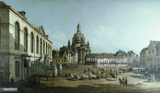 Dresda Gemäldegalerie Alte Meister New Market Square in Dresden by Bernardo Bellotto known as Canaletto etching on canvas 136x237 cm