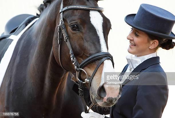 Le cavalier et son cheval de Dressage