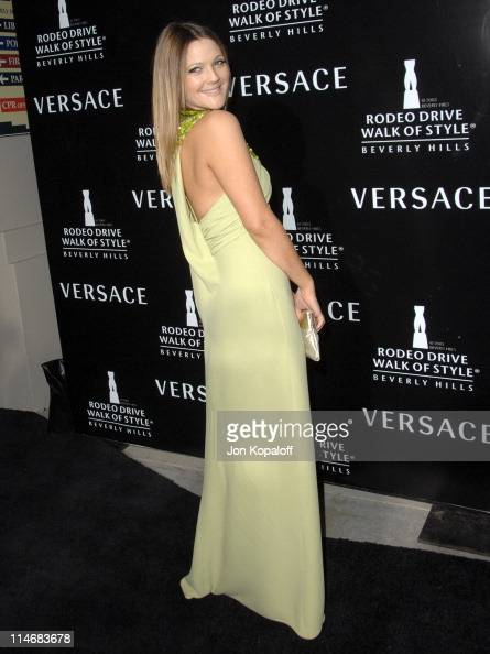 Drew Barrymore during Gianni and Donatella Versace Receive The Rodeo Drive Walk of Style Award Arrivals at Beverly Hills City Hall in Beverly Hills...
