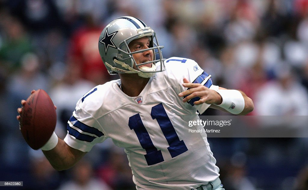 Drew Bledsoe #11 of the Dallas Cowboys looks to pass during the game with the Kansas City Chiefs on December 11, 2005 at Texas Stadium in Irving, Texas. The Cowboys won 31-28.