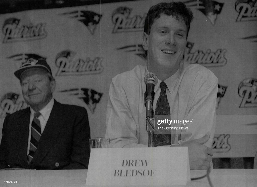 <a gi-track='captionPersonalityLinkClicked' href=/galleries/search?phrase=Drew+Bledsoe&family=editorial&specificpeople=183356 ng-click='$event.stopPropagation()'>Drew Bledsoe</a>, the top choice in the NFL draft, smiles while answering questions at a news conference at a Boston hotel after signing a six-year contract worth an estimated #14.5 million with the New England Patriots Tuesday July 6, 1993 in Boston Massachusetts. Team owner James Orthwein is seen at left.