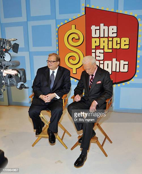 Drew Carey welcomes Bob Barker to ''The Price is Right'' show at CBS Studios on March 25 2009 in Los Angeles California