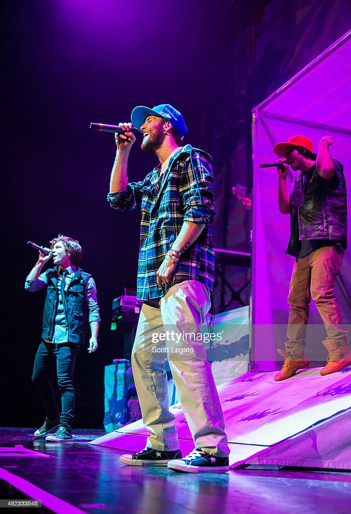 <a gi-track='captionPersonalityLinkClicked' href=/galleries/search?phrase=Drew+Chadwick&family=editorial&specificpeople=9720340 ng-click='$event.stopPropagation()'>Drew Chadwick</a> of Emblem3 performs in concert during her Stars Dance Tour at The Palace of Auburn Hills on November 26, 2013 in Auburn Hills, Michigan.