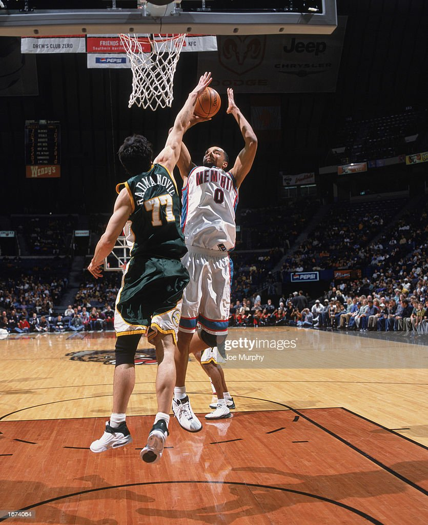 Seattle Supersonics v Memphis Grizzlies s and