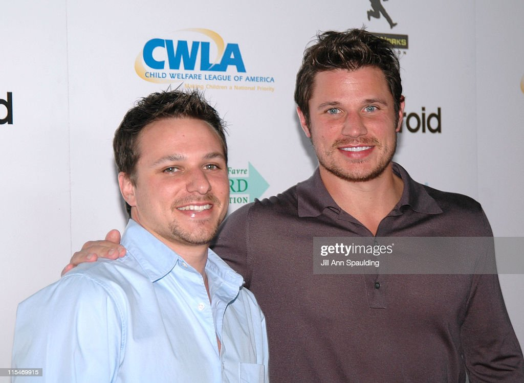 Drew Lachey and Nick Lachey during Ubidcom Joins forces with Hollywood Stars to Launch Celebrity Auction to Benefit Hurricane Victims Arrivals at...
