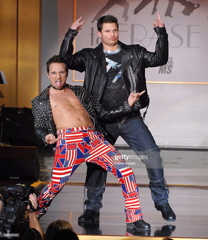 Drew Lachey and Nick Lachey wearing Tommy Hilfiger