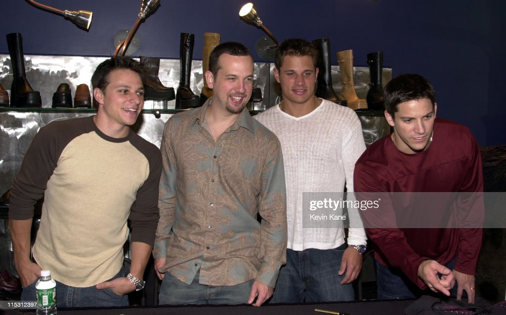 Drew Lachey Justin Jeffre Nick Lachey Jeff Timmons of 98 Degrees