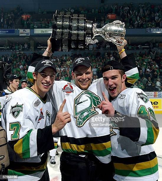 Drew Larman Robbie Schremp and Danny Fritsche of the London Knights celebrate their 40 victory over the Rimouski Oceanic in the Memorial Cup...