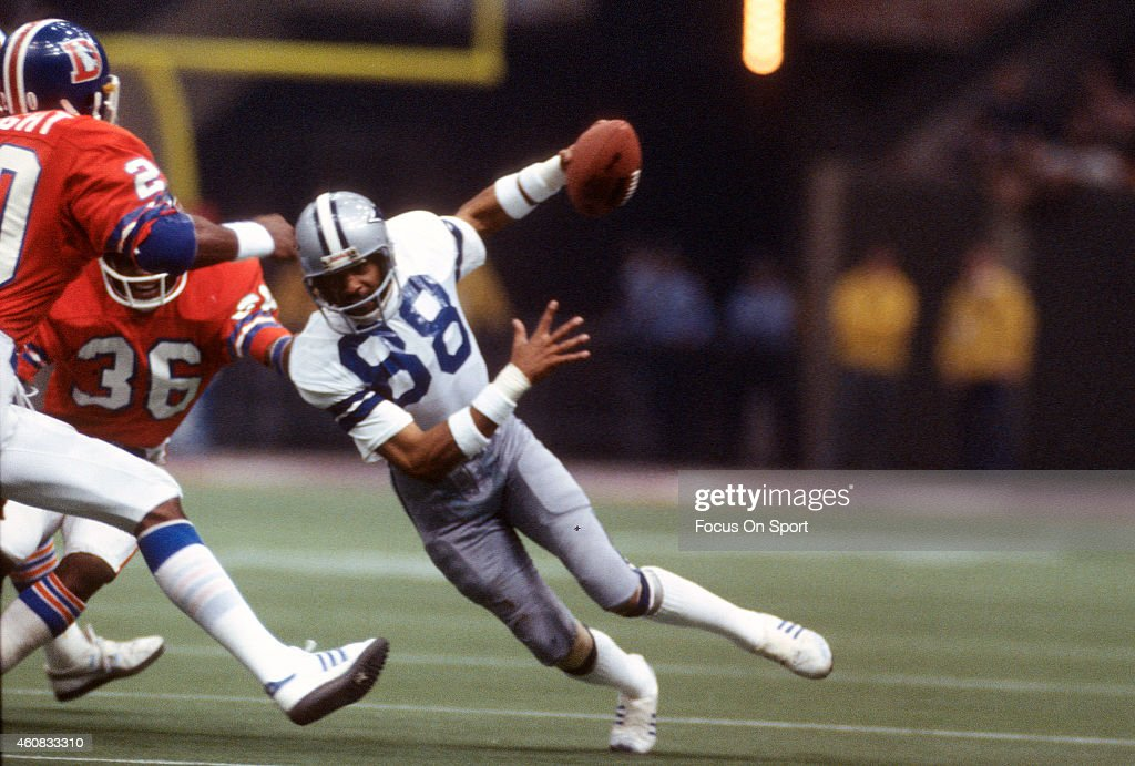 <a gi-track='captionPersonalityLinkClicked' href=/galleries/search?phrase=Drew+Pearson&family=editorial&specificpeople=226652 ng-click='$event.stopPropagation()'>Drew Pearson</a> #88 of the Dallas Cowboys runs with the ball against the Denver Broncos during Super Bowl XII on January 15, 1978 at the Louisiana Super dome in New Orleans, Louisiana. The Cowboys won the Super Bowl 27-10.