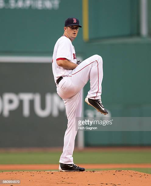 Drew Pomeranz of the Boston Red Sox pitches during the first inning against the Detroit Tigers at Fenway Park on July 25 2016 in Boston Massachusetts