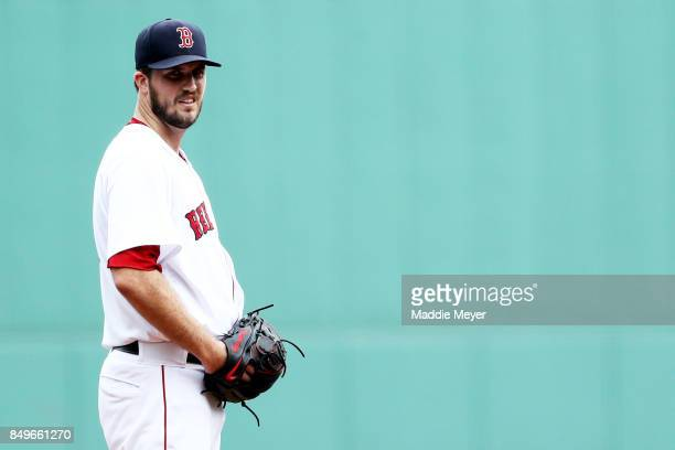 Drew Pomeranz of the Boston Red Sox prepares to pitch against the Oakland Athletics during the first inning at Fenway Park on September 14 2017 in...