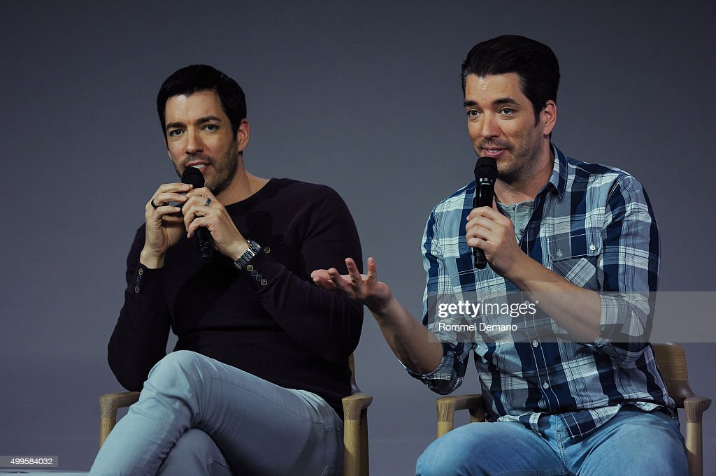 drew scott and jonathan scott speak at apple store soho presents meet the property brothers - Drew Scott