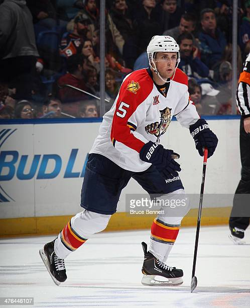 Drew Shore of the Florida Panthers skates against the New York Islanders at the Nassau Veterans Memorial Coliseum on March 2 2014 in Uniondale New...