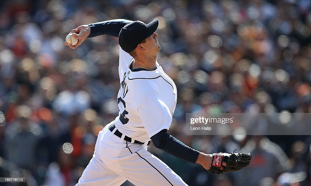 Drew Smyly #33 of the Detroit Tigers pitches in the ninth inning during the game against the New York Yankees in the homer opener at Comerica Park on April 5, 2013 in Detroit, Michigan. The Tigers defeated the Yankees 8-3. Photo by Leon Halip/Getty Images)