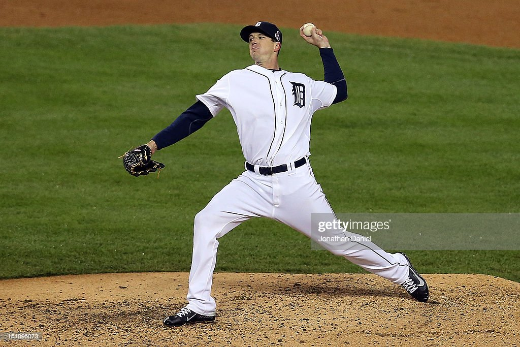 Drew Smyly #33 of the Detroit Tigers throws a pitch against the San Francisco Giants in the seventh inning during Game Four of the Major League Baseball World Series at Comerica Park on October 28, 2012 in Detroit, Michigan.