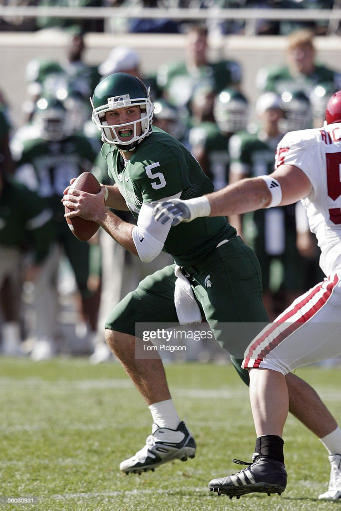 Drew Stanton of Michigan State drops back to pass against Indiana during the second quarter on October 29 2005 at Spartan Stadium in East Lansing...