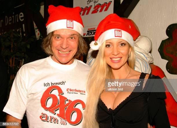 Drews Juergen * Musiker Schlagersaenger D mit seiner Ehefrau Ramona auf dem Hamburger Domtreff der Bildzeitung