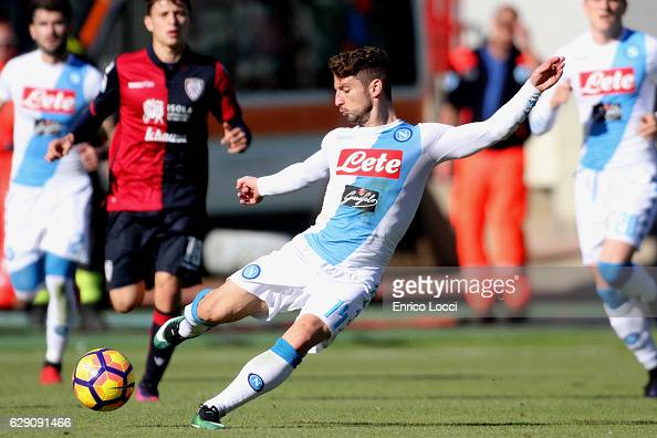 Drie Mertens of Napoli in action during the Serie A match between Cagliari Calcio and SSC Napoli at Stadio Sant'Elia on December 11 2016 in Cagliari...
