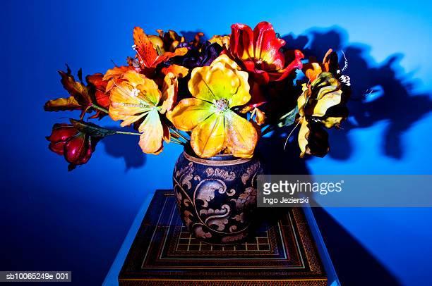Dried flowers in vase