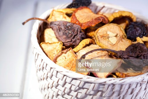 Frutas secas em branco : Foto de stock