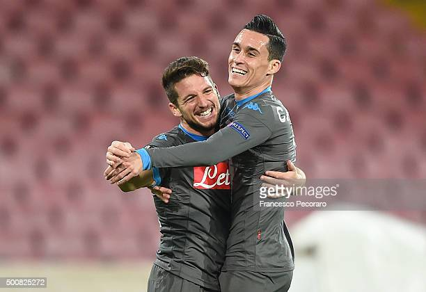 Dries Mertens and Josè Maria Callejon of Napoli celebrate a goal 41 scored by Dries Mertens during the UEFA Europa League Group D match between SSC...
