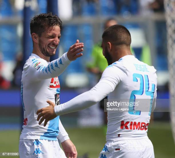 Dries Mertens and Lorenzo Insigne of Napoli celebrate after scoring the opening goal during the Serie A match between US Sassuolo and SSC Napoli at...