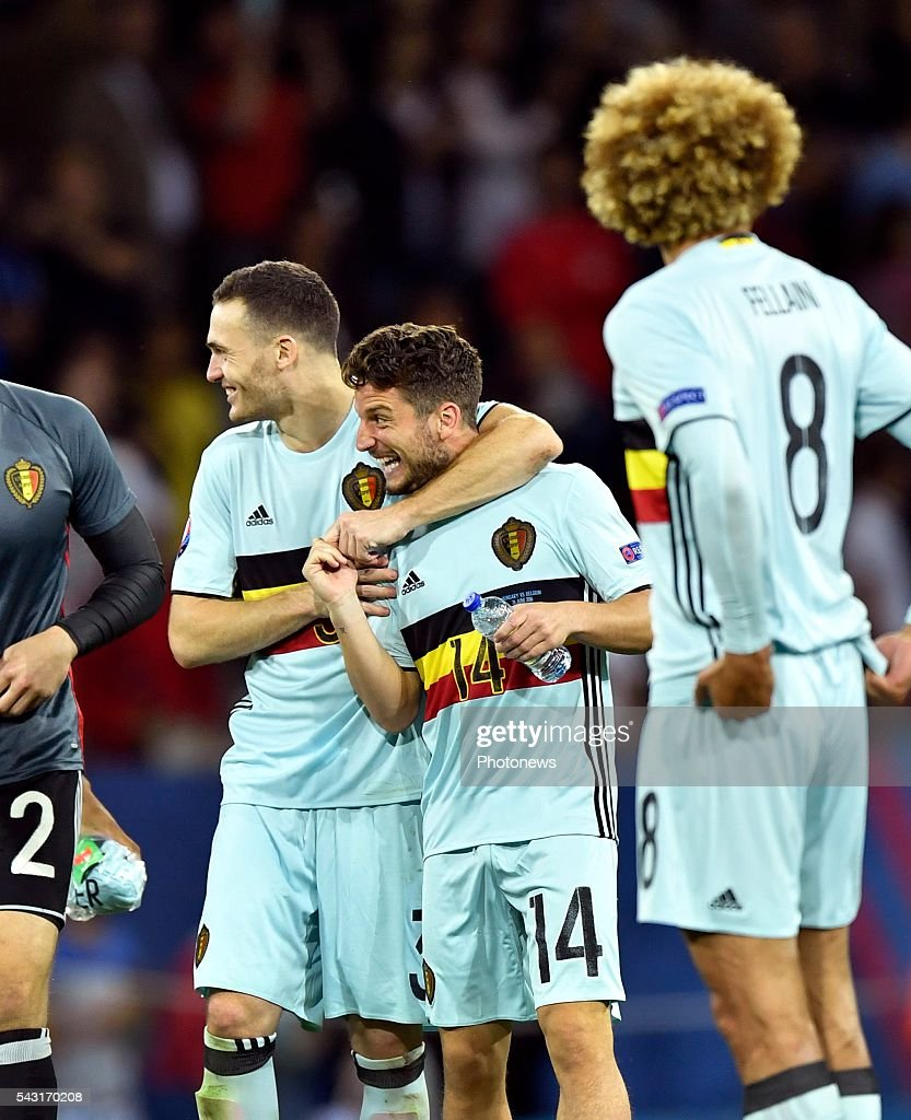 Dries Mertens forward of Belgium and Thomas Vermaelen defender of Belgium celebrates with teammates after scoring during the UEFA EURO 2016 Round of 16 match between Hungary and Belgium at the Stadium Toulouse on June 26, 2016 in Toulouse, France ,