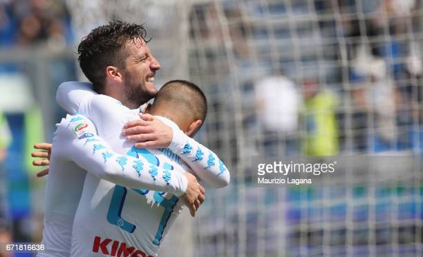 Dries Mertens of Napoli celebrates after scoring the opening goal during the Serie A match between US Sassuolo and SSC Napoli at Mapei Stadium Citta'...