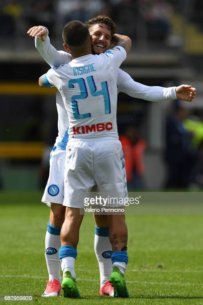 Dries Mertens of SSC Napoli celebrates a goal with team mate Lorenzo Insigne during the Serie A match between FC Torino and SSC Napoli at Stadio...