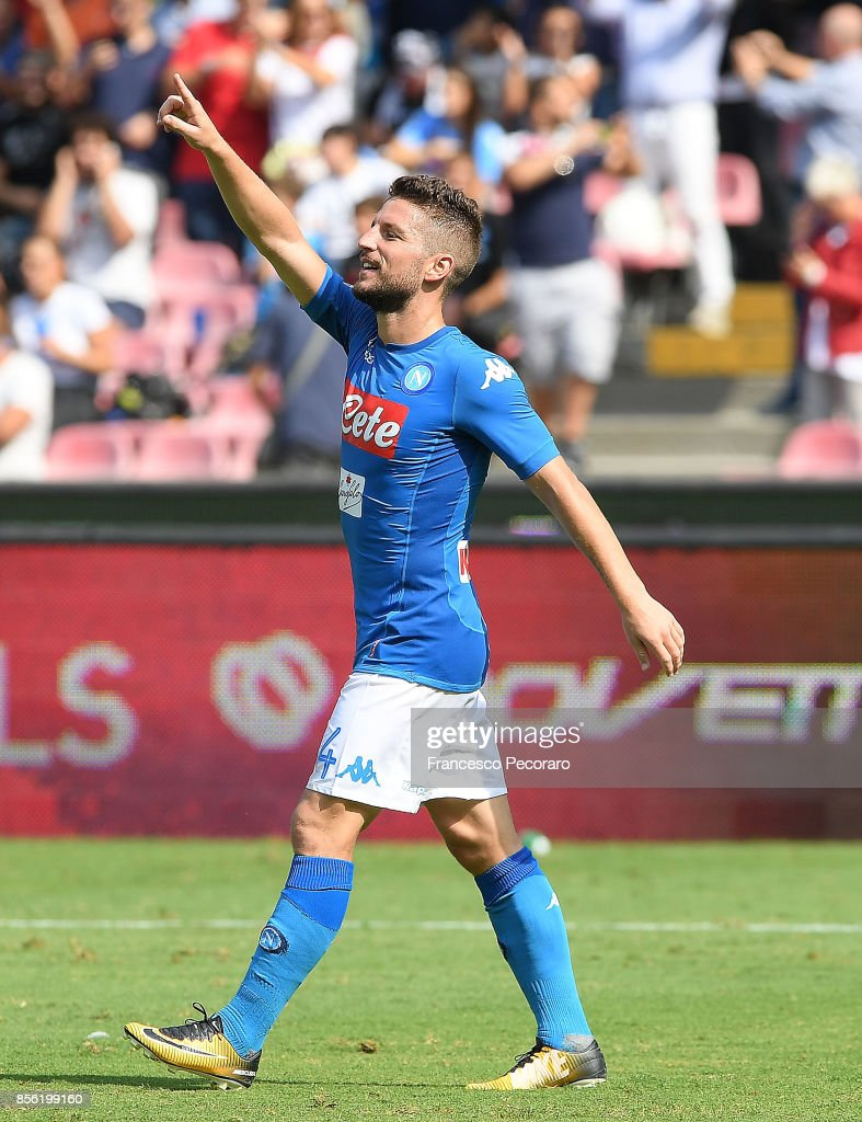 Dries Mertens of SSC Napoli celebrates after scoring goal 2-0 during the Serie A match between SSC Napoli and Cagliari Calcio at Stadio San Paolo on October 1, 2017 in Naples, Italy.