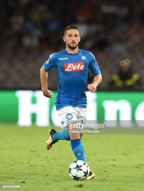 Dries Mertens of SSC Napoli in action during the UEFA Champions League Qualifying PlayOffs Round First Leg match between SSC Napoli and OGC Nice at...