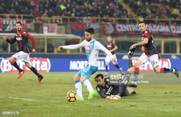 Dries Mertens of SSC Napoli scores his team's fourth goal during the Serie A match between Bologna FC and SSC Napoli at Stadio Renato Dall'Ara on...