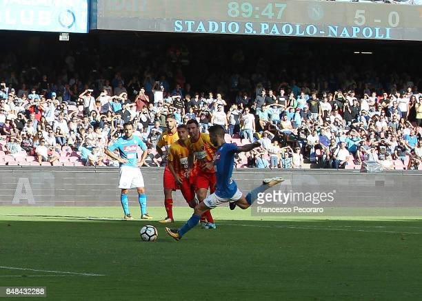 Dries Mertens of SSC Napoli shoots the penalty to go 60 during the Serie A match between SSC Napoli and Benevento Calcio at Stadio San Paolo on...