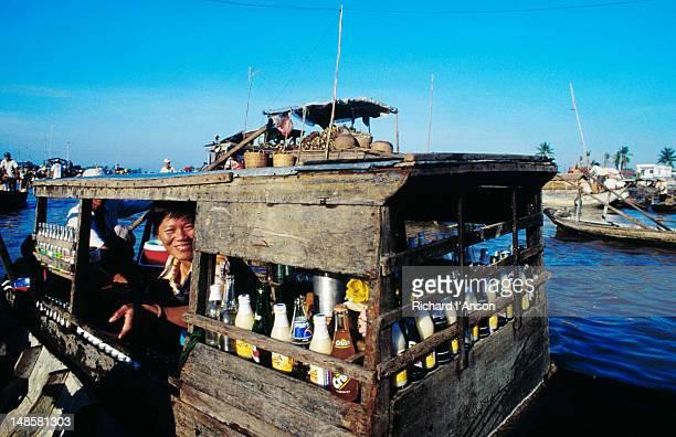 Drink seller at Cai Rang floating market.