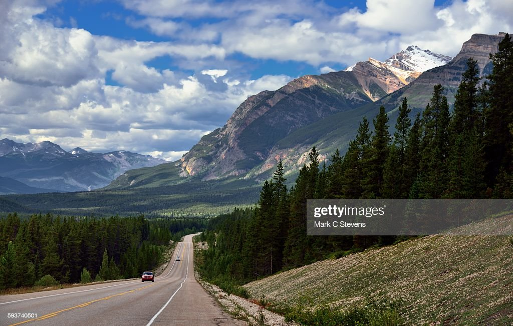 A drive down the Icefields Parkway