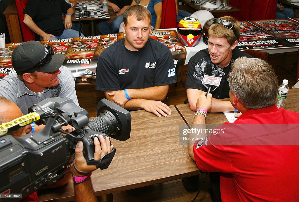Drivers Clint Bowyer Ryan Newman and Carl Edwards speak with the media prior to the Nextel Prelude to the Dream on June 6 2007 at Eldora Speedway in...