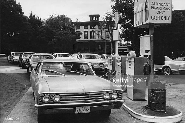 Drivers queue for fuel at a petrol station near Trenton New Jersey USA circa 1974 The country has been hit by worldwide fuel shortages caused by the...