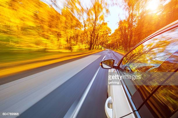 Fahren in den Herbst