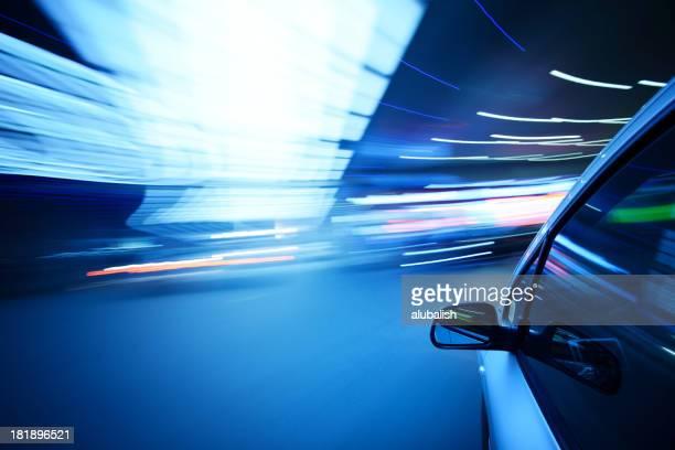 車で都会の風景