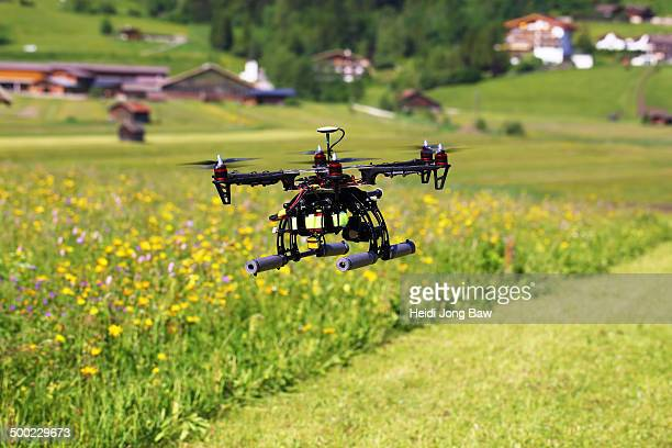 Drone flying around in Moos