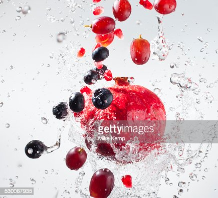Droplets splashing on fruits