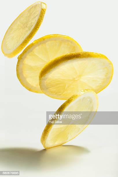 dropping   sliced lemon