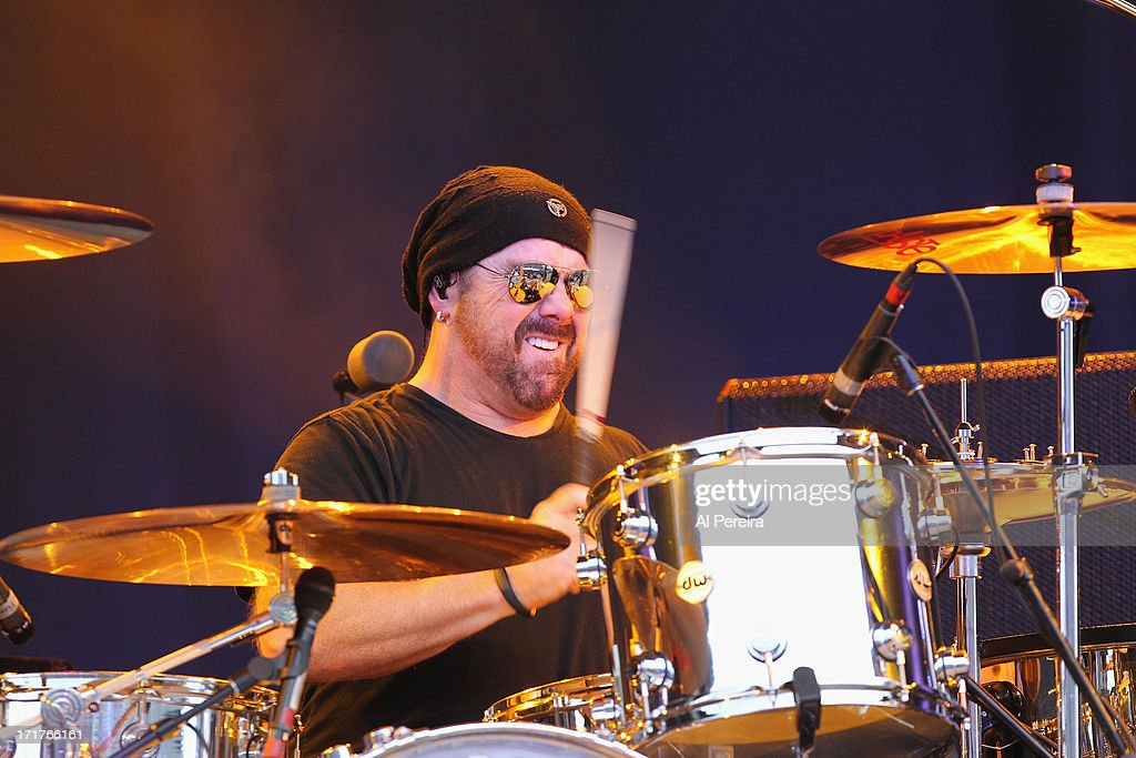 Drummer <a gi-track='captionPersonalityLinkClicked' href=/galleries/search?phrase=Jason+Bonham&family=editorial&specificpeople=1295889 ng-click='$event.stopPropagation()'>Jason Bonham</a> and <a gi-track='captionPersonalityLinkClicked' href=/galleries/search?phrase=Jason+Bonham&family=editorial&specificpeople=1295889 ng-click='$event.stopPropagation()'>Jason Bonham</a>'s Led Zeppelin Experience perform during the Heartbreaker Tour at Nikon at Jones Beach Theater on June 27, 2013 in Wantagh, New York.