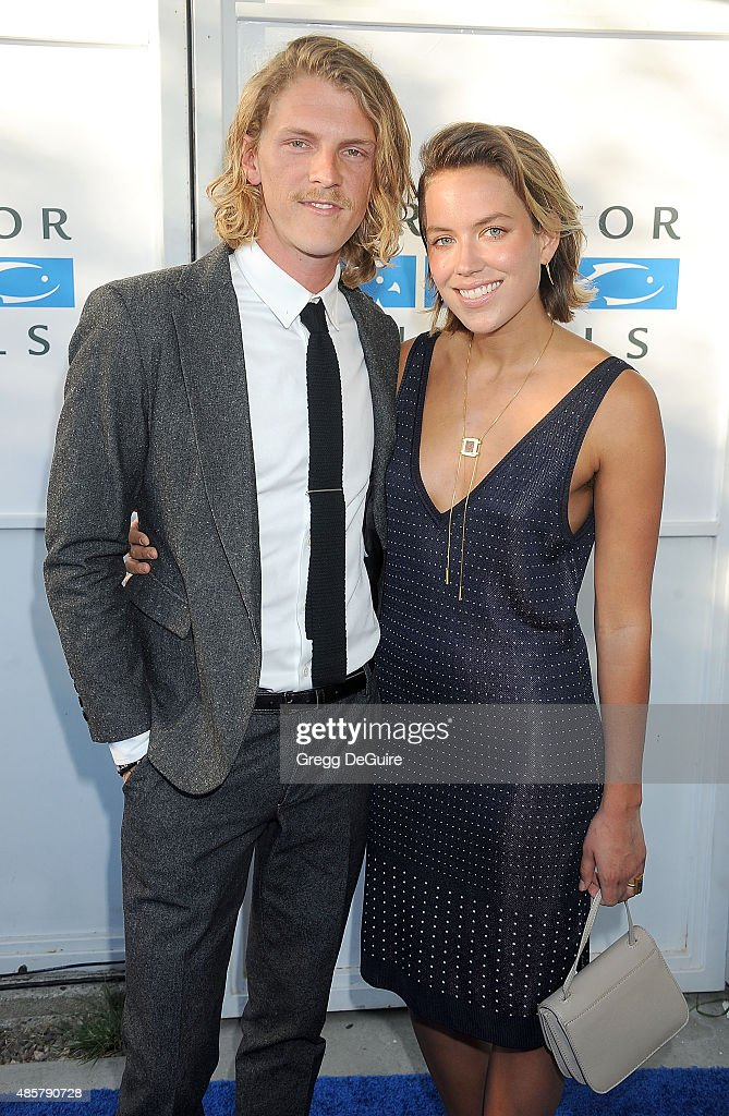 Drummer Mark Pontius of Foster The People arrives at The Hidden Heroes Gala presented by Mercy For Animals at Unici Casa on August 29 2015 in Culver...