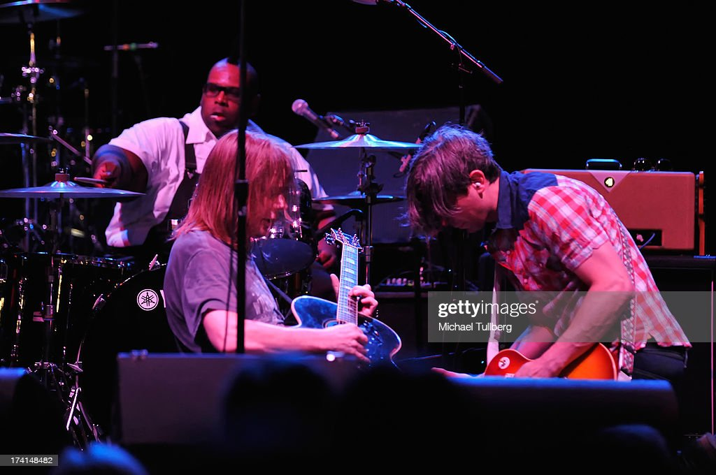 Drummer Michael Bland singer David Pirner and guitarist Justin Sharbono of Soul Asylum perform live at the LP Tour at the Wiltern Theatre on July 20...